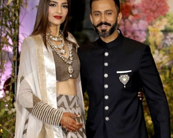 Here's why Anand Ahuja told Sonam Kapoor to remove her